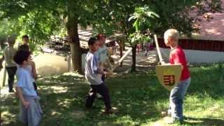 Zselickisfalud IKSZT népi játékok - fa kardozás